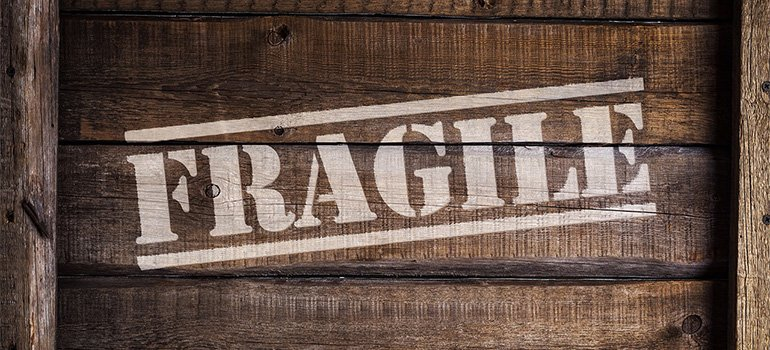 A box that has the word 'fragile' on it