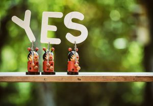 figurines saying yes to Packing tips for military families