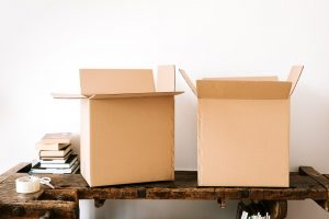 Preparing your Christmas decoration for storage boxes