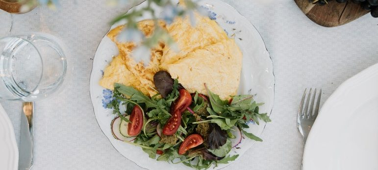 Omelet is one of the quick and easy moving day meals